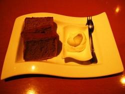 レストランのシフォンケーキ